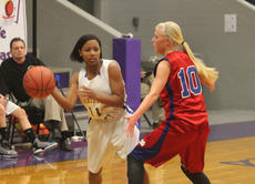 """<div class=""""source"""">Photo by Brandon Mattingly</div><div class=""""image-desc"""">Freshman Daisha Edelen looked inside to a teammate in Thursday's loss to Mercer County.</div><div class=""""buy-pic""""><a href=""""/photo_select/13581"""">Buy this photo</a></div>"""