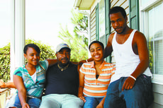 """<div class=""""source""""></div><div class=""""image-desc"""">Larry Thompson with two of his daughters, Jasmine, left, 14, Sarah, 19, and Sarah's fiancé, Stephon Graves. Thompson is waiting for a heart transplant.Photo by Stephanie Hornback/Landmark News Service</div><div class=""""buy-pic""""><a href=""""http://web2.lcni5.com/cgi-bin/c2newbuyphoto.cgi?pub=023&orig=Larry_Thompson_and_fam.jpg"""" target=""""_new"""">Buy this photo</a></div>"""