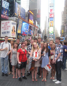 """<div class=""""source"""">courtesy of Charlotte Campbell</div><div class=""""image-desc"""">A group of theatre students from Springfield's Central Kentucky Community Theatre recently toured New York City and attended Broadway shows. They also got to meet celebrities and see the world of show business up close and personal</div><div class=""""buy-pic""""></div>"""