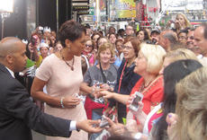 """<div class=""""source"""">courtesy of Charlotte Campbell</div><div class=""""image-desc"""">Central Kentucky Community Theatre students saw Robin Roberts of Good Morning America while in New York City.</div><div class=""""buy-pic""""></div>"""