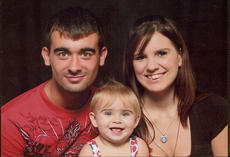 """<div class=""""source""""></div><div class=""""image-desc"""">Zack Parrish, a Washington County native and United States Marine, will get to spend Thanksgiving at home with his family, including his wife, Heather, and their daughter, Lily Jo.</div><div class=""""buy-pic""""></div>"""