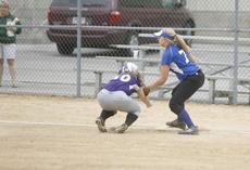 "<div class=""source"">Sun File Photo</div><div class=""image-desc"">First baseman Samantha Mudd, shown above tagging out a retreating baserunner in a game last season, is set on returning to the Commanderette lineup in April.</div><div class=""buy-pic""><a href=""/photo_select/14003"">Buy this photo</a></div>"