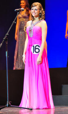"<div class=""source"">Chris Zollner/ www.carpe-imago.smugmug.com</div><div class=""image-desc"">Anna Pettus, daughter of John and Barbara Pettus of Springfield, competed in the state junior miss contest in Lexington over the weekend.</div><div class=""buy-pic""></div>"