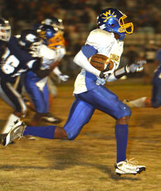 """<div class=""""source"""">Jeff Moreland</div><div class=""""image-desc"""">Qwan Turner was the Commanders' leading rusher with 46 yards on 16 carries.</div><div class=""""buy-pic""""><a href=""""/photo_select/6631"""">Buy this photo</a></div>"""