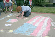 """<div class=""""source"""">Jimmie Earls</div><div class=""""image-desc"""">James Rossman works on his sidewalk chalk drawing titled """"In God We Trust"""" during Springfield's Independence Day celebration.</div><div class=""""buy-pic""""><a href=""""http://web2.lcni5.com/cgi-bin/c2newbuyphoto.cgi?pub=023&orig=fourth08-web3.jpg"""" target=""""_new"""">Buy this photo</a></div>"""