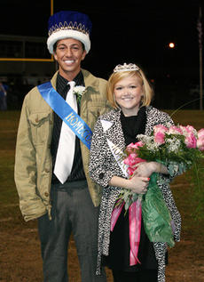"<div class=""source"">Jimmie Earls</div><div class=""image-desc"">Cliff Nally and Lauren Yates were crowned 2008 Homecoming King and Queen.</div><div class=""buy-pic""><a href=""/photo_select/4048"">Buy this photo</a></div>"