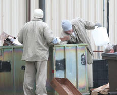 """<div class=""""source"""">Jeff Moreland</div><div class=""""image-desc"""">Inmate labor is valuable to the Washington County Regional Recycling Center, but could be in jeopardy if legislators make changes to the state's inmate release system.</div><div class=""""buy-pic""""><a href=""""http://web2.lcni5.com/cgi-bin/c2newbuyphoto.cgi?pub=023&orig=inmates2.jpg"""" target=""""_new"""">Buy this photo</a></div>"""