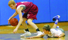 """<div class=""""source"""">Photo by Shorty Lassiter</div><div class=""""image-desc"""">WC senior Thomas Pettus dives for a loose ball in one of last week's scrimmages.</div><div class=""""buy-pic""""><a href=""""/photo_select/15415"""">Buy this photo</a></div>"""