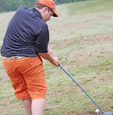"""<div class=""""source"""">Photo by John Overby</div><div class=""""image-desc"""">Ben Taylor makes sure to keep his head down during his backswing.</div><div class=""""buy-pic""""><a href=""""/photo_select/16597"""">Buy this photo</a></div>"""
