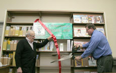 """<div class=""""source"""">Jimmie Earls</div><div class=""""image-desc"""">Springfield John Cecconi, left, and SWEDA Director Hal Goode, right, cut the ribbon last Thursday on the new Entrepreneurs Resource Center located at the Washington County Public Library.</div><div class=""""buy-pic""""><a href=""""http://web2.lcni5.com/cgi-bin/c2newbuyphoto.cgi?pub=023&orig=web_entrepreneurs_mayor_hal.jpg"""" target=""""_new"""">Buy this photo</a></div>"""