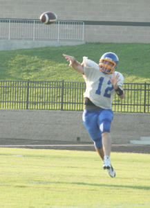 """<div class=""""source"""">Jimmie Earls</div><div class=""""image-desc"""">Washington County senior starting quarterback Michael Gash will lead the Commanders into battle Friday night against the Shawnee Golden Eagles in Louisvile.</div><div class=""""buy-pic""""><a href=""""/photo_select/4130"""">Buy this photo</a></div>"""