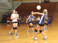 """<div class=""""source"""">Jimmie Earls</div><div class=""""image-desc"""">WC freshman LeeAnn Abell (3) passes the ball while teammates Jaclyn Kelty, left, and Kelly Hill, center, watch.</div><div class=""""buy-pic""""><a href=""""/photo_select/3295"""">Buy this photo</a></div>"""