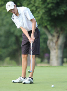 """<div class=""""source"""">Photo by Brandon Mattingly</div><div class=""""image-desc"""">Pettus claims that his golf game has made him more patient in other aspects of his life.</div><div class=""""buy-pic""""><a href=""""/photo_select/15089"""">Buy this photo</a></div>"""