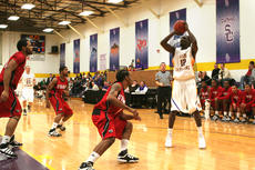 """<div class=""""source"""">SCC Sports Information</div><div class=""""image-desc"""">Kashiff Carr, a junior guard from Philadelphia, averaged 22 points in the two wins for St. Catharine last week.</div><div class=""""buy-pic""""></div>"""