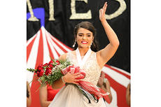 """<div class=""""source"""">Nicolas Schrager</div><div class=""""image-desc"""">Kate Taylor waves to the crowd after being named 2019's Distinguished Young Woman.</div><div class=""""buy-pic""""><a href=""""/photo_select/24577"""">Buy this photo</a></div>"""