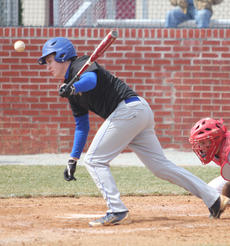 """<div class=""""source"""">Sun File Photo</div><div class=""""image-desc"""">Travis Mattingly is one of only three seniors on this year's squad.</div><div class=""""buy-pic""""><a href=""""/photo_select/15966"""">Buy this photo</a></div>"""