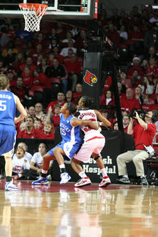 """<div class=""""source"""">Jimmie Earls</div><div class=""""image-desc"""">During a recent UK game against the Lady Cardinals, Brittany Edelen had the unenviable task of matching up against one of the top players in the country, Louisville's Angel McCoughtry.                                             </div><div class=""""buy-pic""""><a href=""""/photo_select/4892"""">Buy this photo</a></div>"""