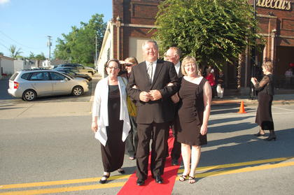 Central Kentucky Community Theatre's Jeannie Awards Gala was a fun and sparkling evening and judged as a 'huge success' by all who attended.  Award Presenters Kathy Elliott, County Judge Exec. John Settles and his lovely wife and CKCTI Board Member, Jill,  take the walk on the red carpet from Mordecai's On Main to join the capacity crowd at the Opera House.